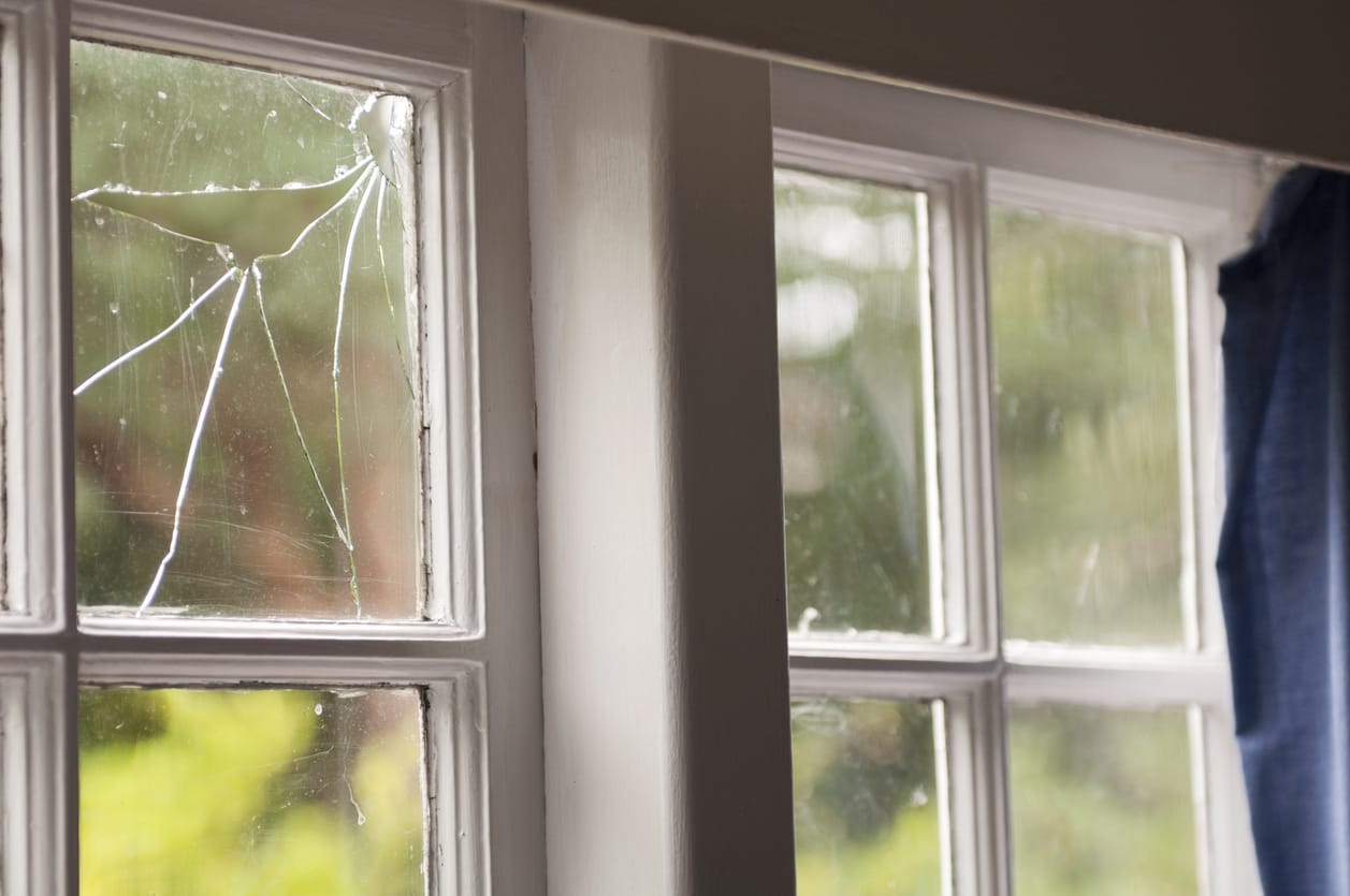 Call the Experts to Fix a Broken Window in Your Home | Glass Doctor