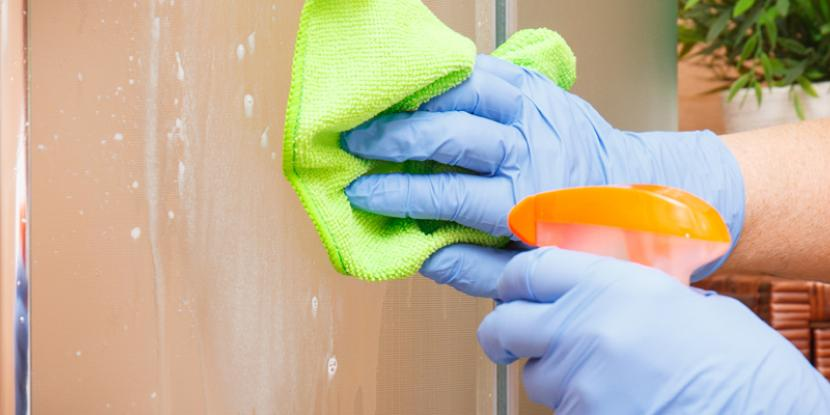 Keep hard water stains and soap scum off your shower walls. Cleaning your shower walls is easy with vinegar, baking soda, bleach and a little elbow grease – get rid of soap scum, hard water stains and more. Glass Doctor provides tips and solutions so you can clean your shower till it sparkles!