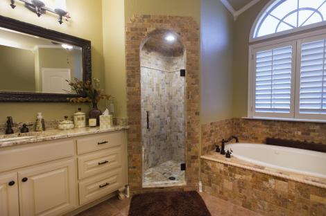 Custom Shower Door Installation | Glass Doctor